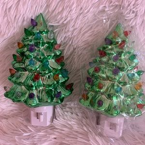 Set of 2 Mr. Christmas plug in trees